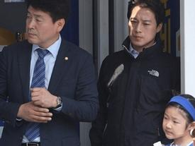 Vệ sĩ đẹp trai như tài tử của tân Tổng thống Hàn Quốc khiến dân mạng đứng ngồi không yên