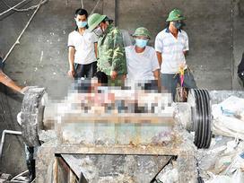 Tin hot trong ngày: Rùng mình thi thểngười đàn ông biến dạng trong máy nghiền bao bì