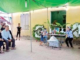 Đại tang ở vùng quê nghèo nơi 3 học sinh xe Camry đâm tử vong trên đường đi học về