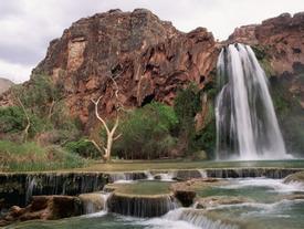 'Đứng hình' trước những thác nước đẹp như tranh vẽ
