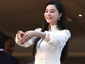 Khác hẳn tưởng tượng, Phạm Băng Băng giản dị bất ngờ trong ngày đầu ở LHP Cannes 2017