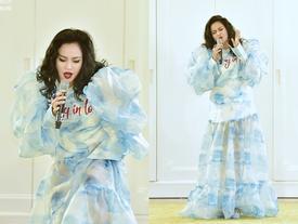 Làng thời trang giật mình khi Thanh Lam mang 'áo mưa' lên sân khấu
