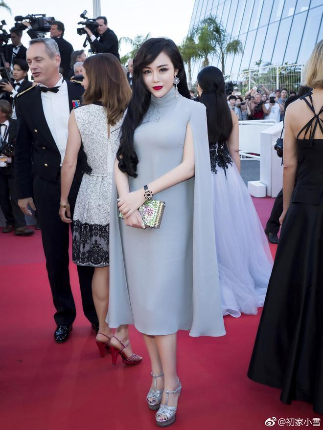 Lại thêm một người đẹp Cbiz vô danh chen chân lên thảm đỏ Cannes khiến netizen muối mặt - Ảnh 5.