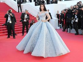 Cận cảnh chiếc đầm Lọ Lem 'đẹp nín thở' của Hoa hậu đẹp nhất thế giới Aishwarya Rai trên thảm đỏ Cannes
