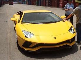 Siêu xe Lamborghini Aventador S đầu tiên về Việt Nam