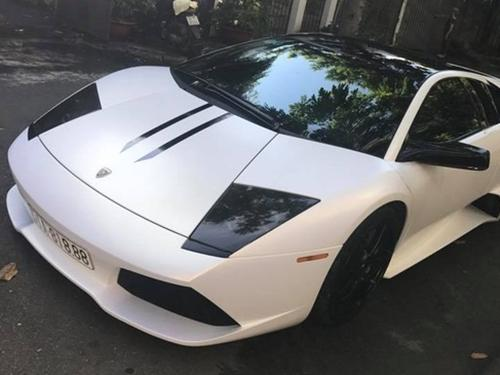 Lamborghini Murcielago LP640 màu xanh cốm độc nhất Việt Nam thay áo mới