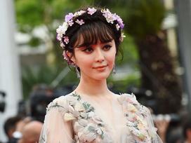 Quizz: Bạn biết gì về những lần Phạm Băng Băng gây 'bão' tại LHP Cannes?