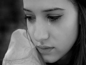 Gặp lại tình nhân 3 năm trước của chồng, tôi bám theo cô ta và chết lặng