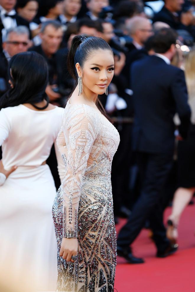 Diện thiết kế Việt, Lý Nhã Kỳ xuất sắc hóa Nữ hoàng Cleopatra trên thảm đỏ LHP Cannes ngày 4 - Ảnh 9.