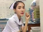 Nữ y tá bị buộc thôi việc vì mặc đồng phục quá gợi cảm