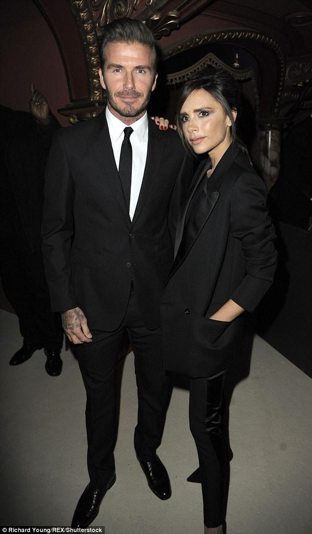 Vợ chồng Beckham gây tranh cãi vì con còn nhỏ đã cho tập gym, đấm bốc quá sức - Ảnh 2.