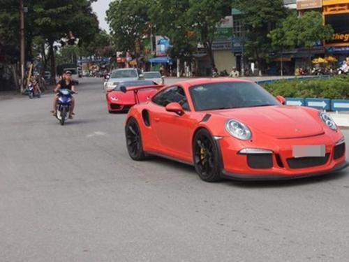 Cường 'Đô La' cầm lái siêu xe Porsche 911 GT3 RS Coupe độc nhất Việt Nam