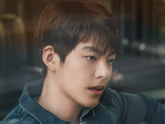 Kim Woo Bin từng giấu bệnh ung thư với gia đình để tiếp tục đóng phim