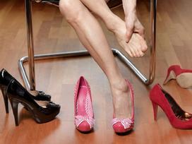 7 bài tập thư giãn chân cho phụ nữ thường xuyên đi giày cao gót