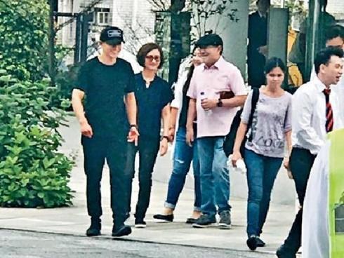 Lưu Khải Uy dẫn con gái đi mua nhà trị giá hơn 200 tỷ, Dương Mịch không thấy xuất hiện bên cạnh