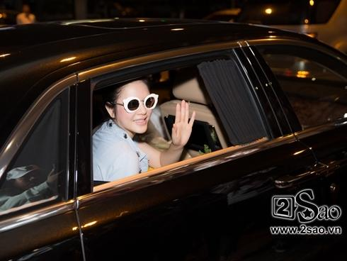 Lý Nhã Kỳ được đón bằng siêu xe 40 tỷ khi về đến sân bay Tân Sơn Nhất
