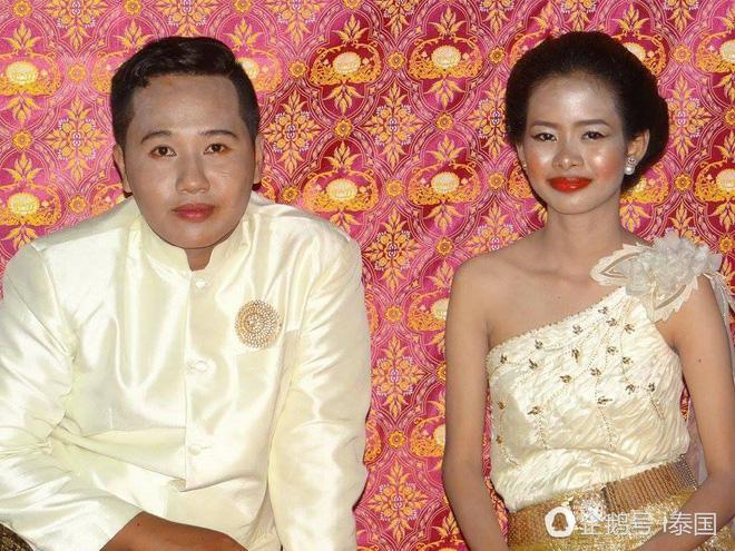 """Cô dâu chú rể uất hận vì thuê nhầm thợ make up """"mất tâm"""", hóa trang như hề trong ngày cưới - Ảnh 2."""