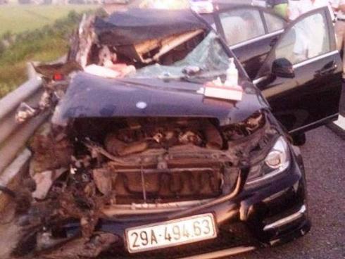 Tai nạn kinh hoàng trên cao tốc Hà Nội - Hải Phòng, 3 người tử vong