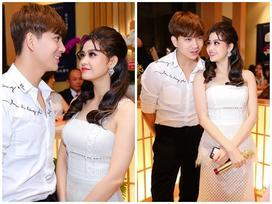 Mặc kệ tin đồn ly hôn, Trương Quỳnh Anh và Tim vẫn cứ tình tứ bên nhau
