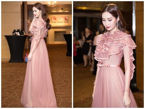 Hoa hậu Đặng Thu Thảo đẹp quyến rũ trong sự kiện từ thiện