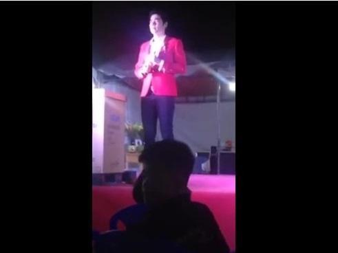Clip: Lưu Chí Vỹ bị bầu show và khán giả chửi, đánh thậm tệ vì đến trễ 2 tiếng