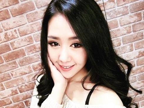 Nữ chính trị gia Đài Loan 28 tuổi tạo dáng 'teen' xinh như hoa hậu
