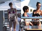 Người mẫu bạch biến mặc bikini khoe làn da loang lổ độc đáo, làm lu mờ cả Bella Hadid