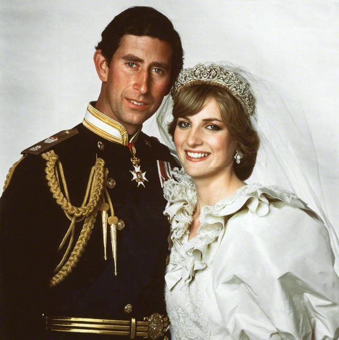 Câu nói đầy cay đắng của công nương Diana bóc trần sự thật về cuộc hôn nhân hoàng gia có vẻ ngoài cổ tích - Ảnh 1.