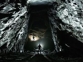 Thám hiểm những hang mỏ ẩn sâu trong lòng đất