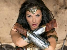 'Wonder Woman' Gal Gadot - Mỹ nhân tuyệt sắc chẳng 'thèm' vương miện Hoa hậu Hoàn vũ để nổi tiếng!