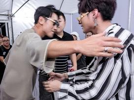 Sơn Tùng M-TP bắt tay, ôm xã giao Bi Rain sau khi diễn xong đại nhạc hội tại Thái Lan