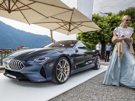 BMW 8-Series concept lăn bánh