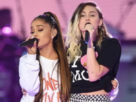 Ariana Grande cùng loạt sao hát tưởng nhớ nạn nhân khủng bố Manchester