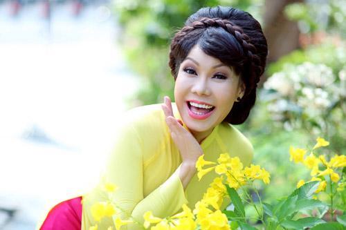 Việt Hương hát đám cưới 15 ngàn đồng