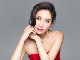 Nhan sắc thách thức thời gian của Hoa hậu đầu tiên bị đánh ghen công khai