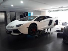 Lamborghini Aventador chính hãng độ la-zăng 'khủng' trong nhà Cường 'Đô La'