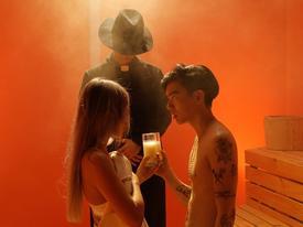 Dân mạng ngất ngây với clip cover 'Yêu 5' bằng tiếng Anh