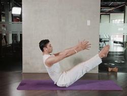 HLV yoga người Ấn Độ hướng dẫn 12 tư thế cực dễ tập ngay tại nhà khiến mỡ bụng phải chào thua