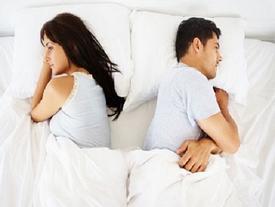 Vợ chồng lục đục vì 'xa nhau' lâu ngày