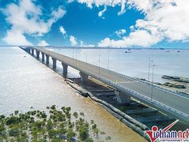 Cầu vượt biển dài nhất Việt Nam tuyệt đẹp từ trên cao