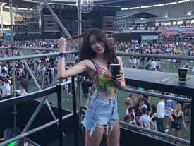 Thiếu nữ Hàn bỗng dưng nổi tiếng nhờ clip 'quẩy' quá xinh đẹp