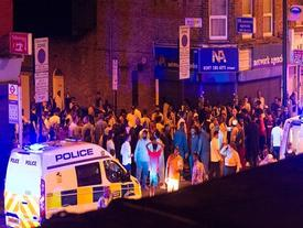 Tông xe ở phố đi bộ London: Đám đông la hét, chạy tán loạn