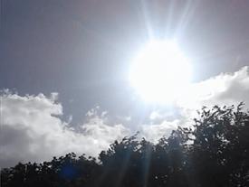 Kỳ lạ: Đám mây hình Đức Mẹ đồng trinh xuất hiện trên bầu trời Ireland