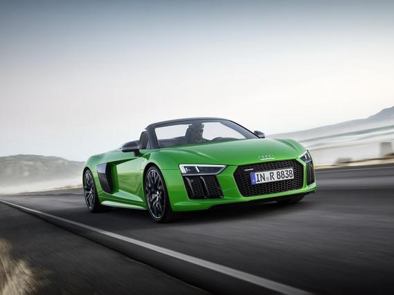 Ấn tượng với video của siêu xe Audi R8 V10 Plus Spyder 2017 5,3 tỷ Đồng