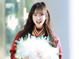 Chiêm ngưỡng nhan sắc 'xinh không chịu được' của nàng cheerleader xứ Hàn