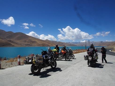 Hành trình đi đến 'nóc nhà' thế giới của 40 biker Việt
