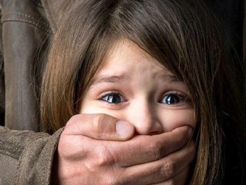 Dạy con cách đối phó với người lạ để tránh bị bắt cóc, xâm hại