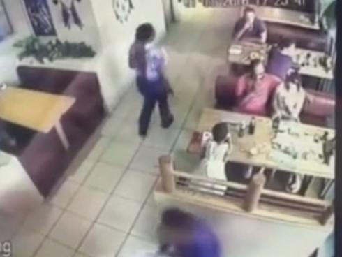 Bé trai 22 tháng tuổi bị bắt cóc ngay trước mặt cha mẹ