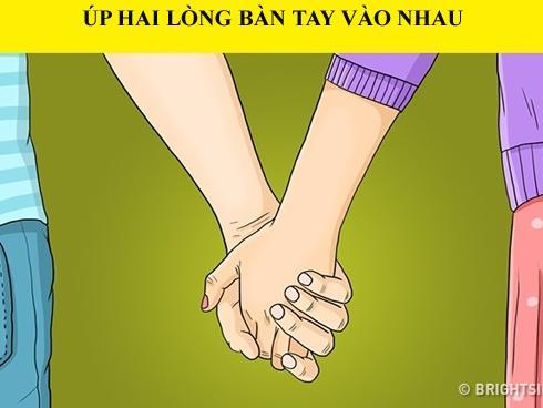 Nhìn cách nắm tay, biết ngay tình trạng yêu đương của bạn và người ấy