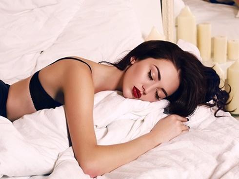 Ngủ bao lâu để vừa đẹp xuất sắc vừa hạnh phúc?